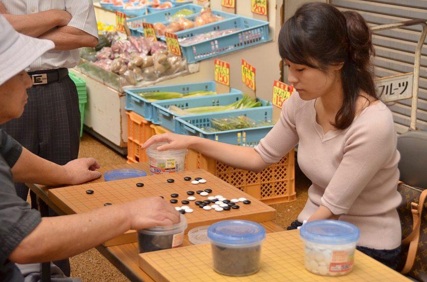 【津島杯】坂出のシャッター街を囲碁が制圧した話し。美人すぎる棋士も登場の巻。