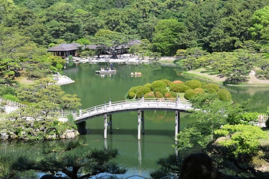 海外有名旅行サイトに高松市が「世界の旅行先10選」に選出されてる!