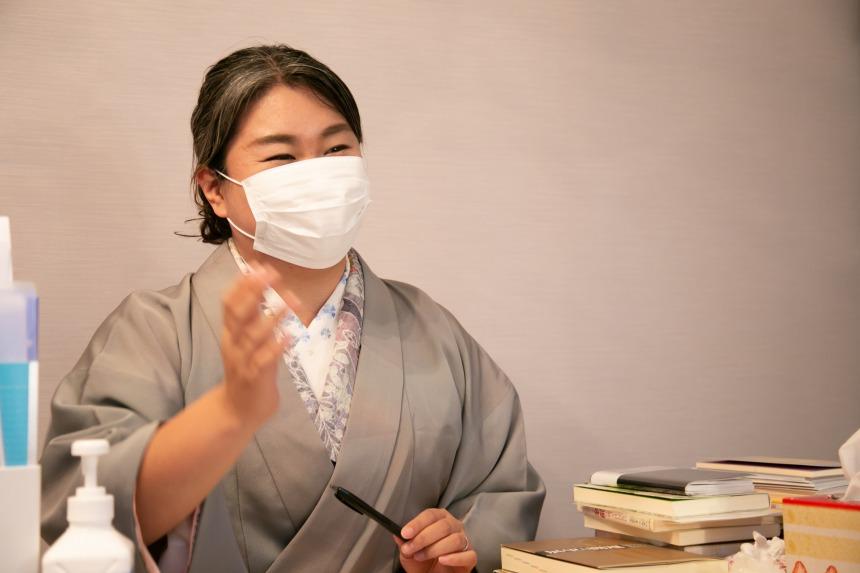 「綾川の母」の手相鑑定は本当に当たるのか?ガチで体験してみました。