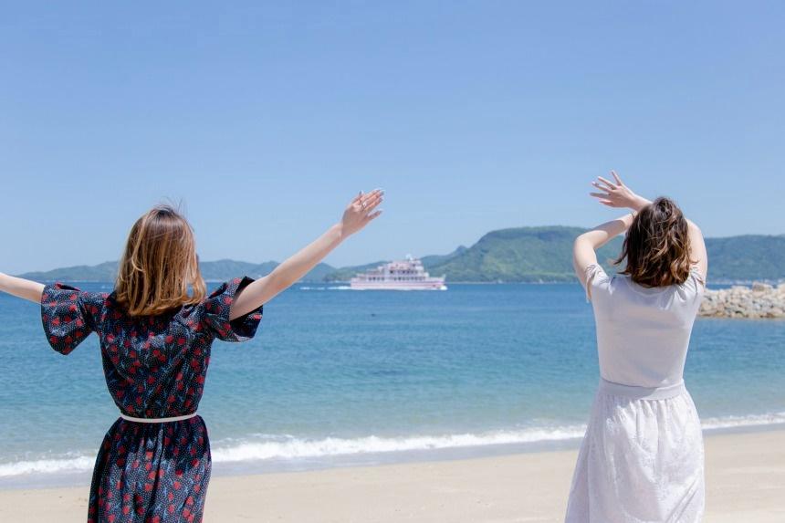 女木島の海が美しすぎるので、ユーチューバー女子にただついて行った件。