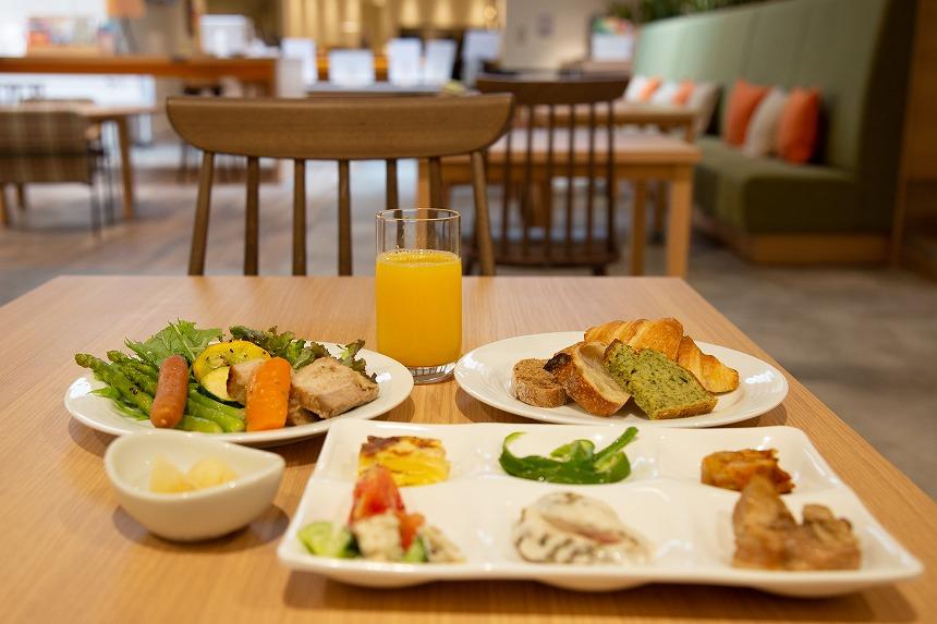 WeBase高松のホテル朝食ブッフェはお手軽で種類豊富、野菜がおいしい!