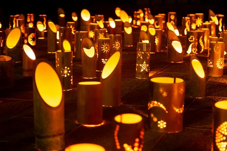 滝宮で竹あかりの祭典「みんなの想火」が行われました。