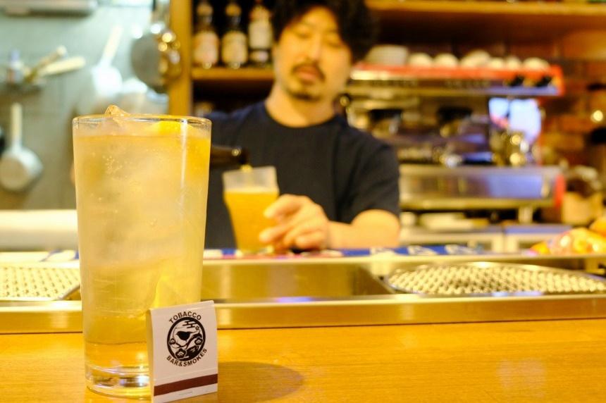 カフェ利用のできるBar「いろり屋」。港町に夜も楽しめるスポットがオープン!